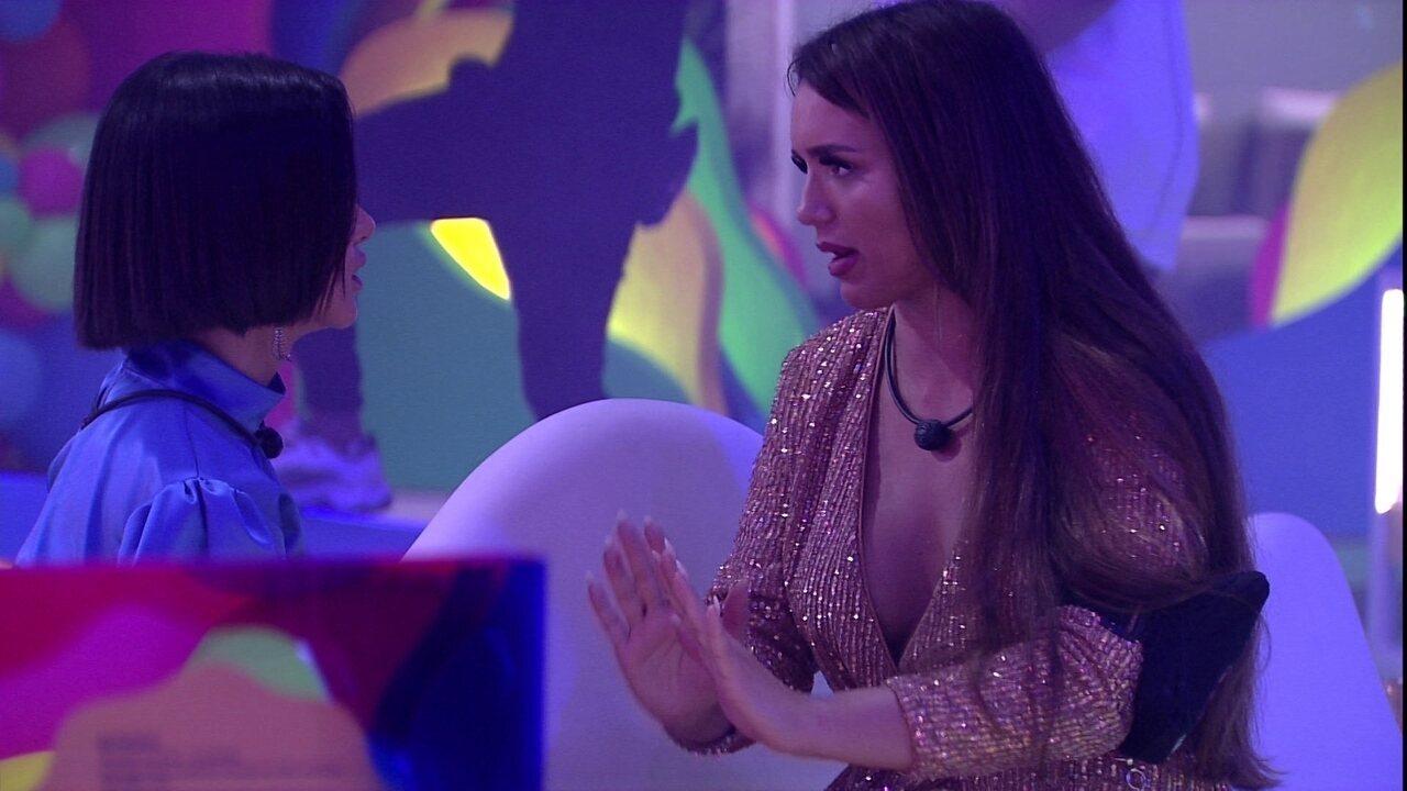 Rafa e Manu conversam sobre atitudes de Daniel na casa