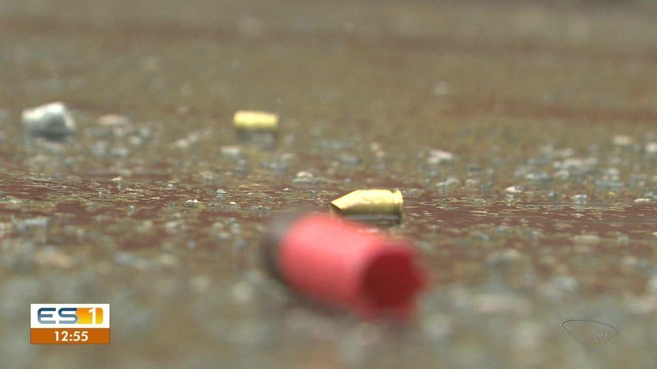 Dois jovens são assassinados e dois ficam feridos em tiroteio em bar de Vila Velha, ES