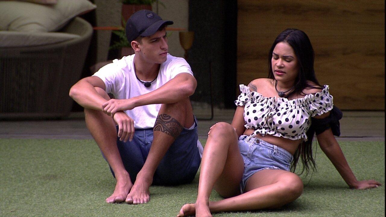 Felipe alerta Flayslane sobre sister: 'Você não está vendo a cobra que está do lado'