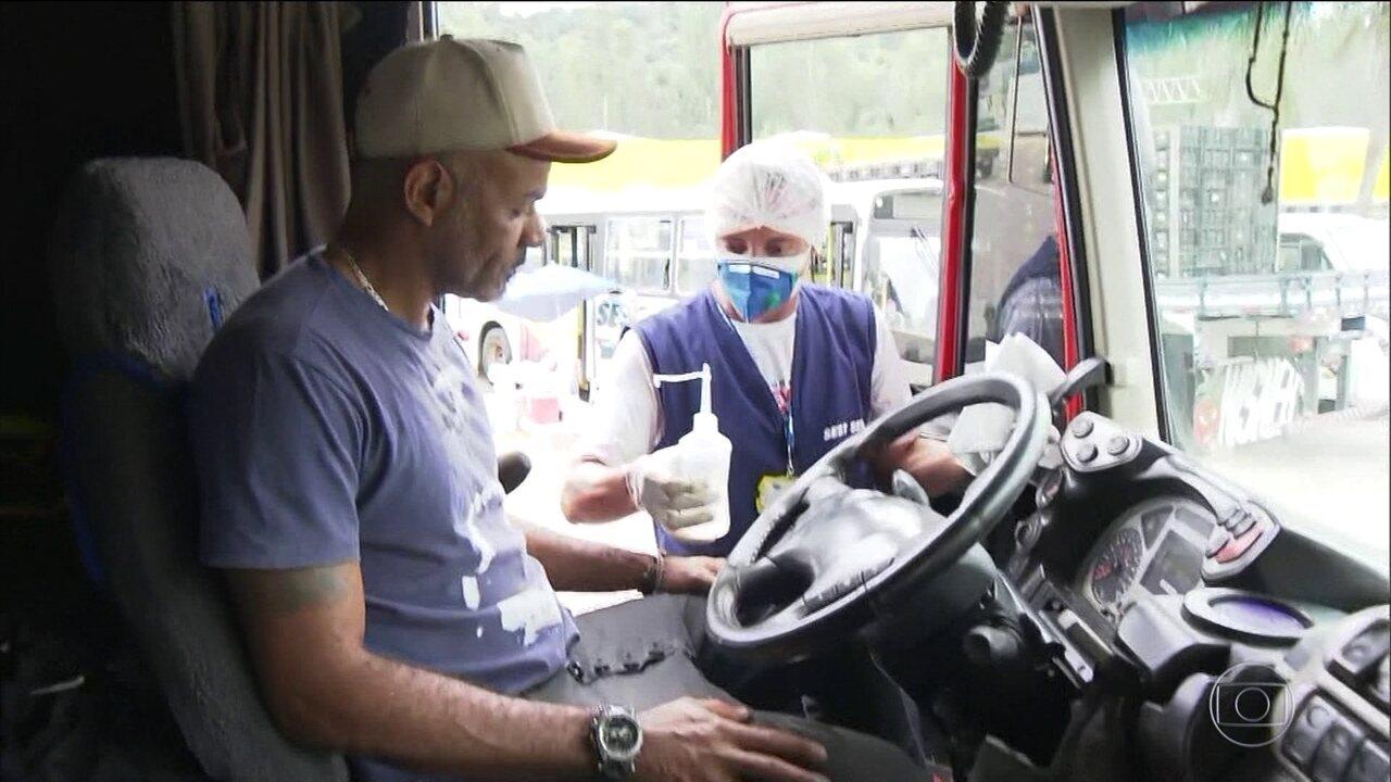 Caminhoneiros não param durante a pandemia de coronavírus
