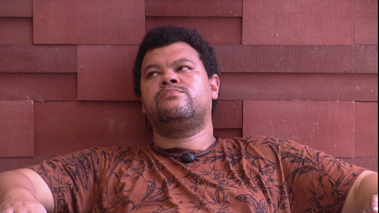 Babu questiona: 'Por que Prior fica tão chateado'