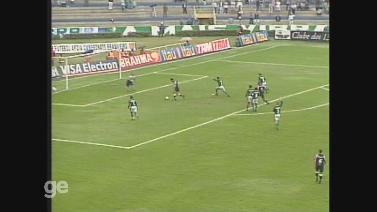 Washington marca duas vezes, e Ponte Preta bate o Palmeiras