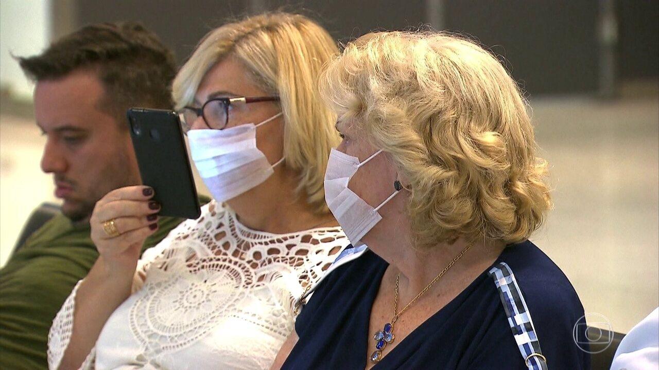 Ministro da Saúde volta a sugerir que pessoas usem máscaras caseiras