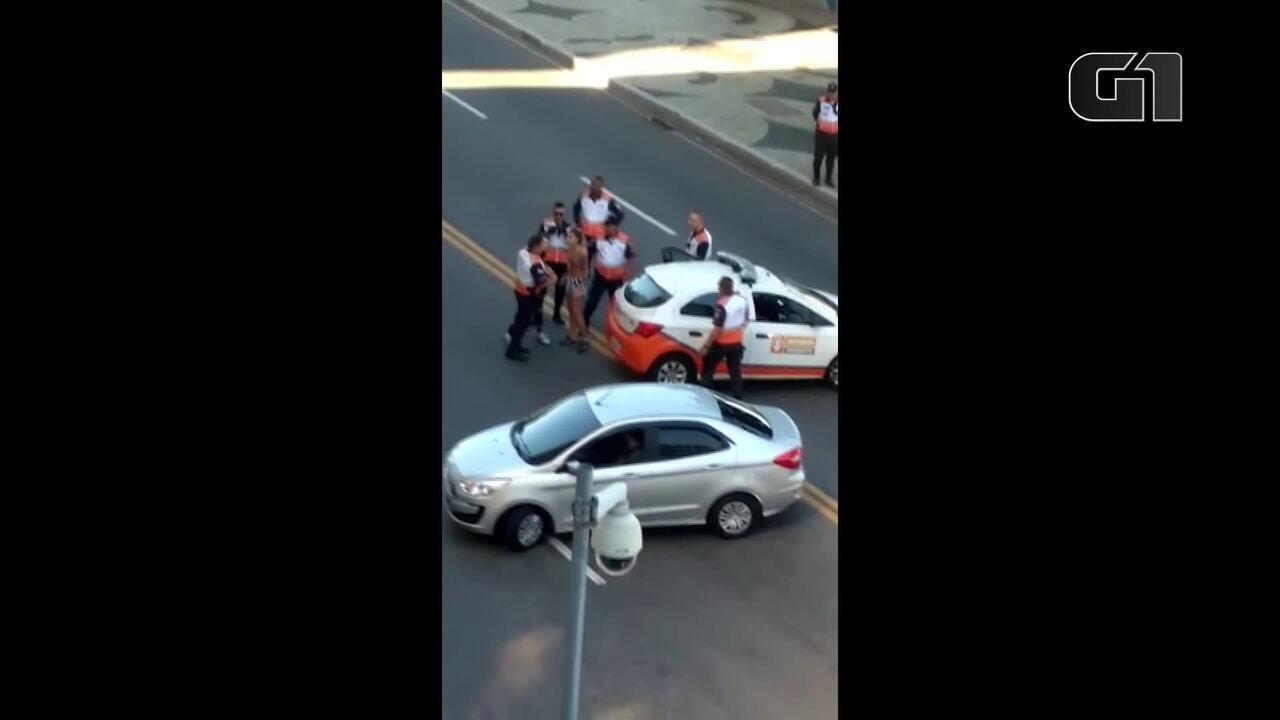 Duas mulheres são detidas na orla de Icaraí, em Niterói, na Região Metropolitana do Rio