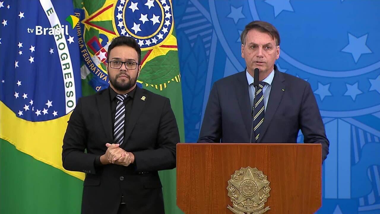 'Manutenção da vida, sem esquecer do emprego', diz Bolsonaro sobre orientação a ministro