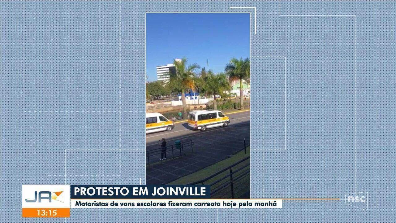 Profissionais do transporte escolar fazem protesto em Joinville