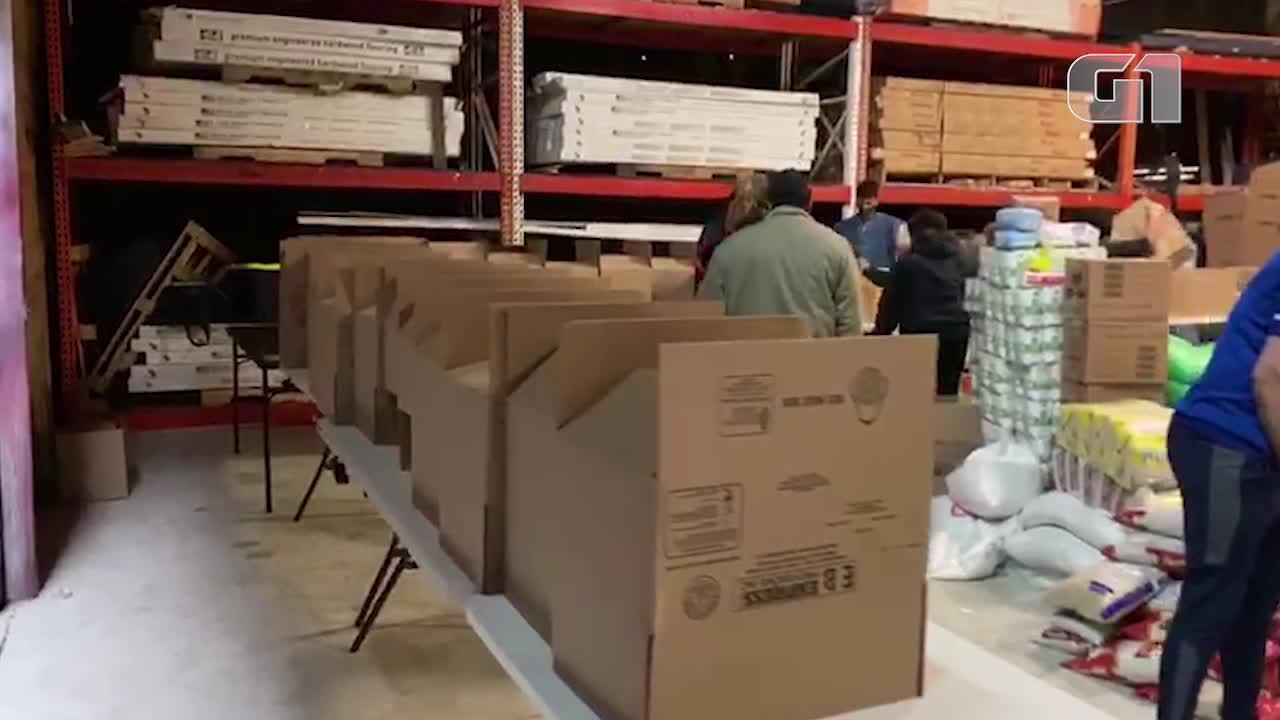 Sem emprego, brasileiros cestas básicas de ONG's durante confinamento nos EUA