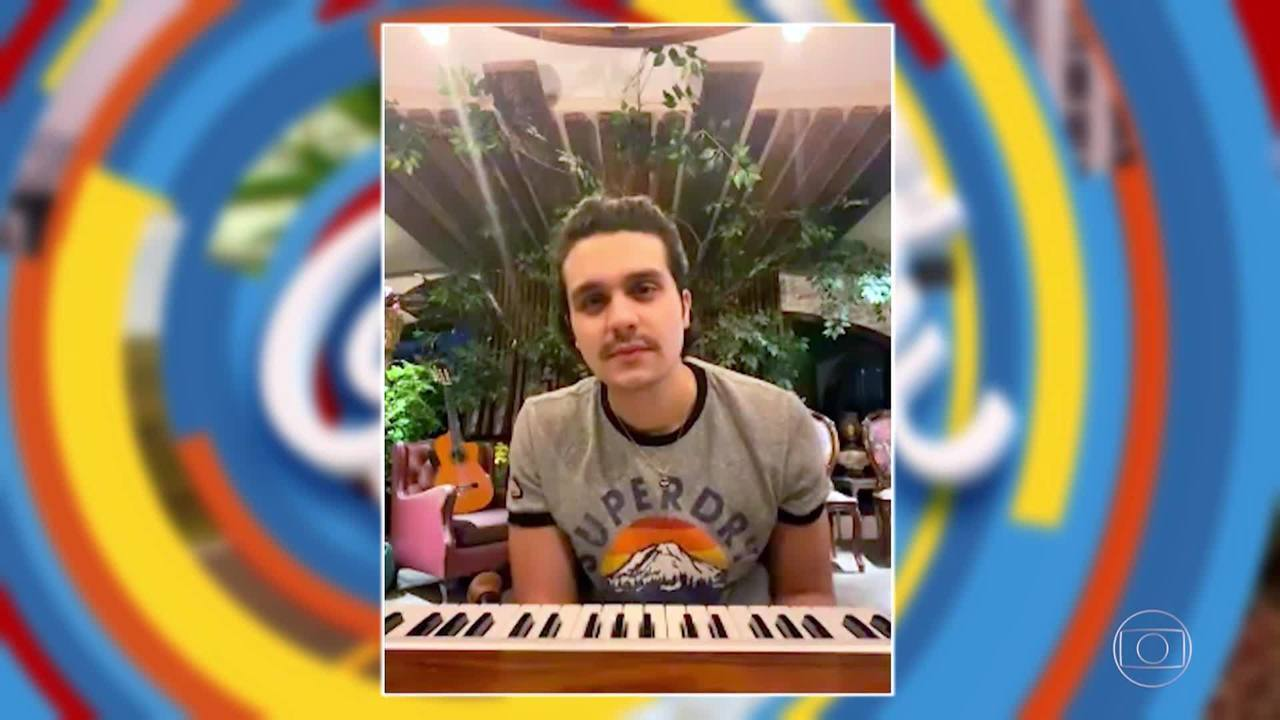 Luciano conversa por videochamada com Luan Santana