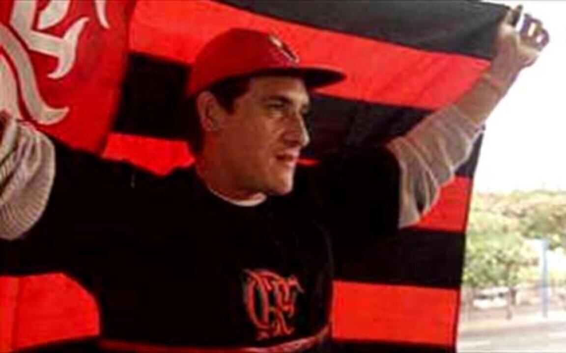 Em 2000, Flamengo contrata o zagueiro Gamarra