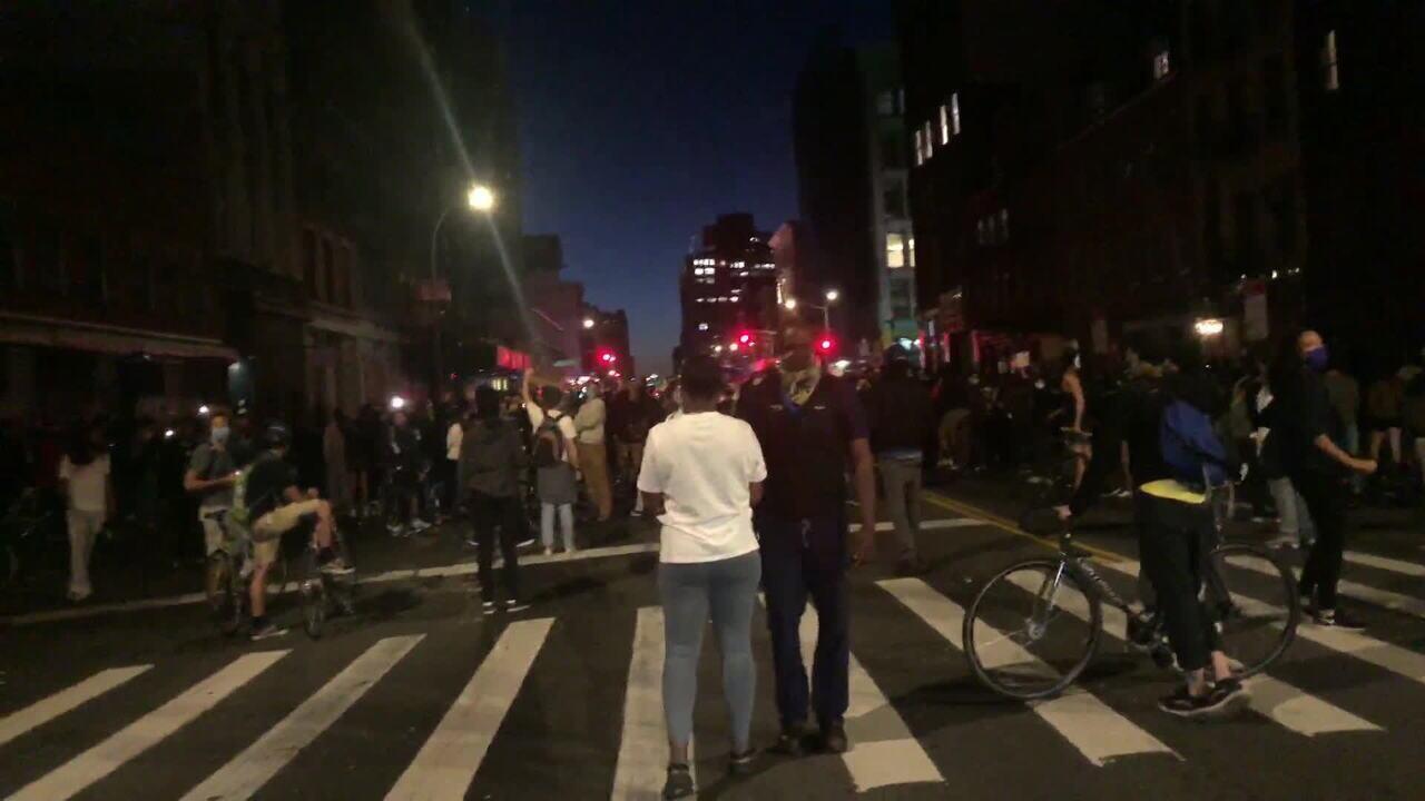 Manifestantes se espalham por Nova York em mais um dia de protestos