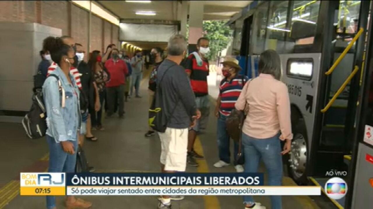 Terminal de ônibus em Niterói tem baixa movimentação de passageiros