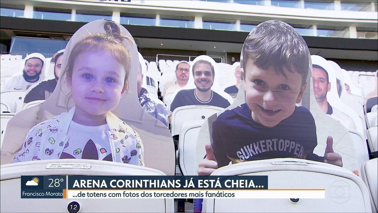 Arena Corinthians está cheia! São os totens dos torcedores apaixonados