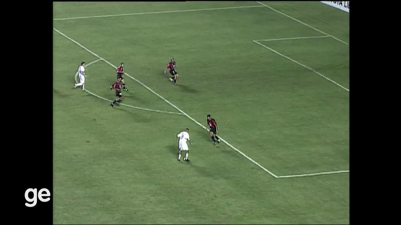 Os gols do São Paulo na final da Libertadores de 2005, contra o Athletico