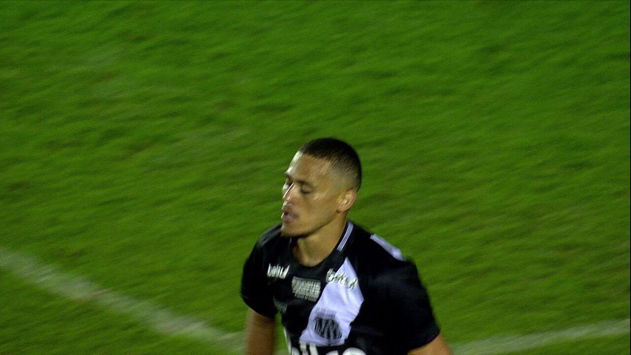 Bruno Rodrigues teve grande atuação contra o Santos na Vila Belmiro