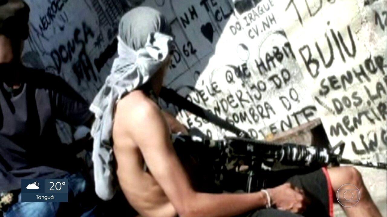 Moradores do Complexo da Maré são reféns do crime organizado