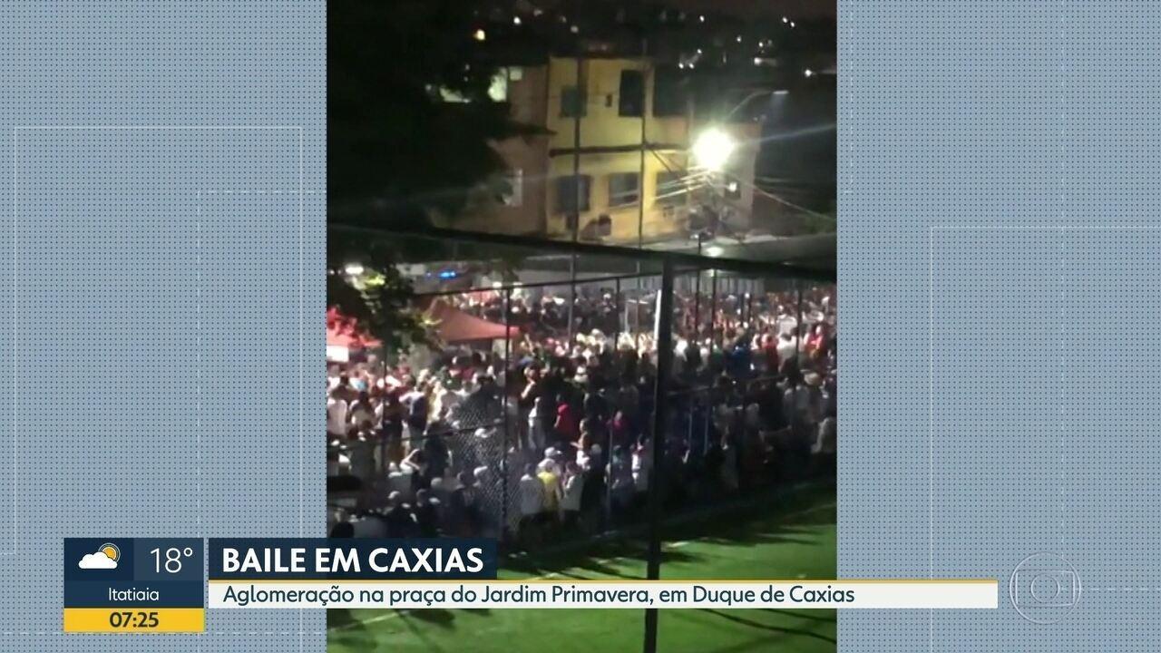 Bola provoca torcida na praça Duque de Caxias