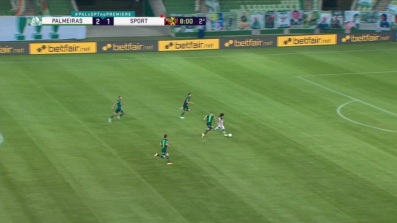 Zé Rafael leva amarelo por parar ataque do Sport, aos 8 do 2º tempo