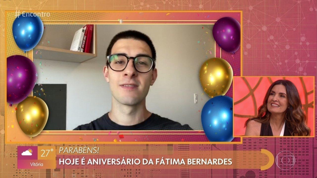 Filho de Fátima Bernardes manda mensagem de aniversário para a apresentadora
