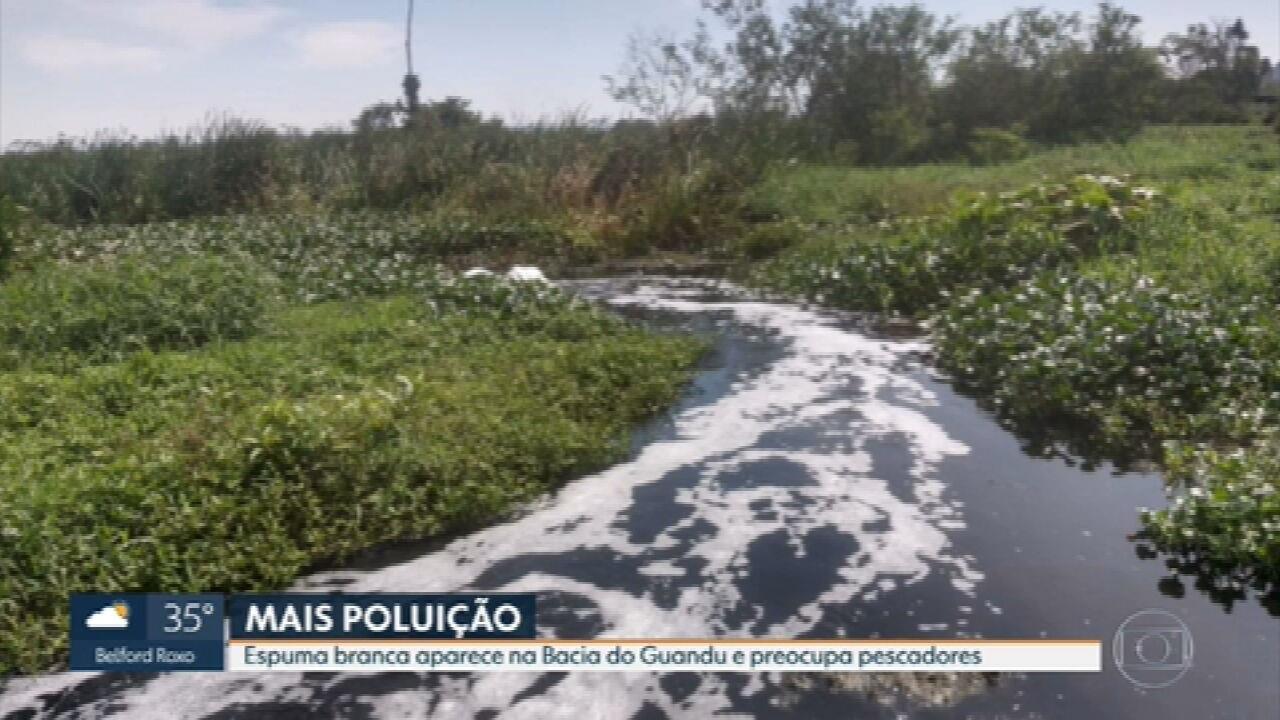 Espuma branca aparece na Bacia do Guandu e preocupa pescadores