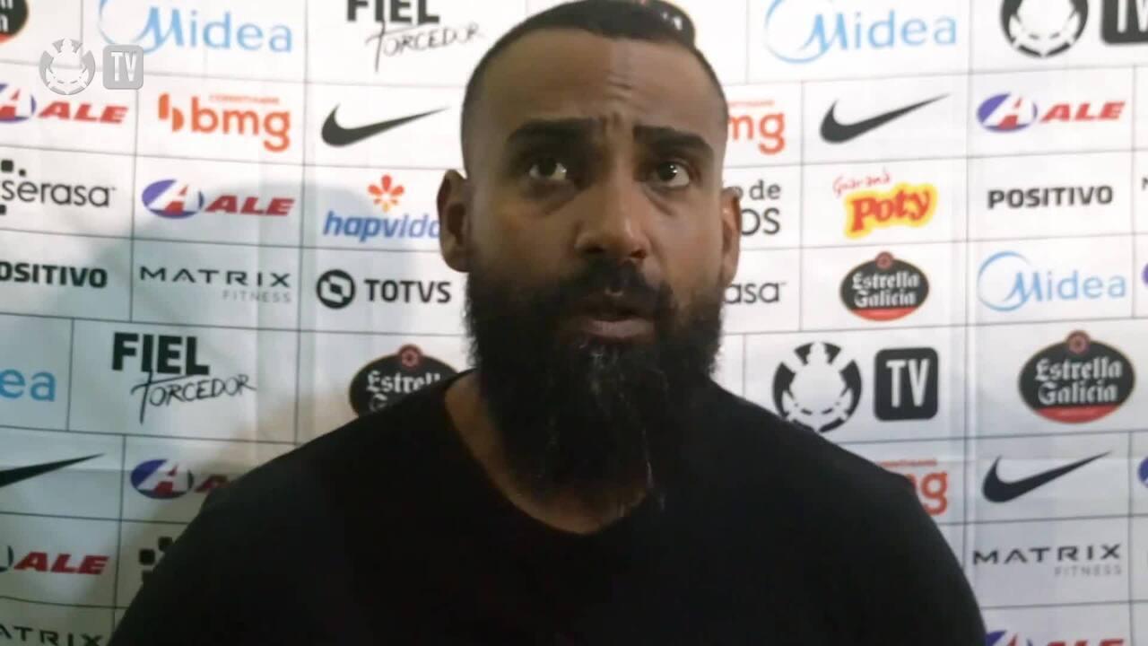 Coelho comenta derrota para o Sport e diz ver Corinthians em evolução