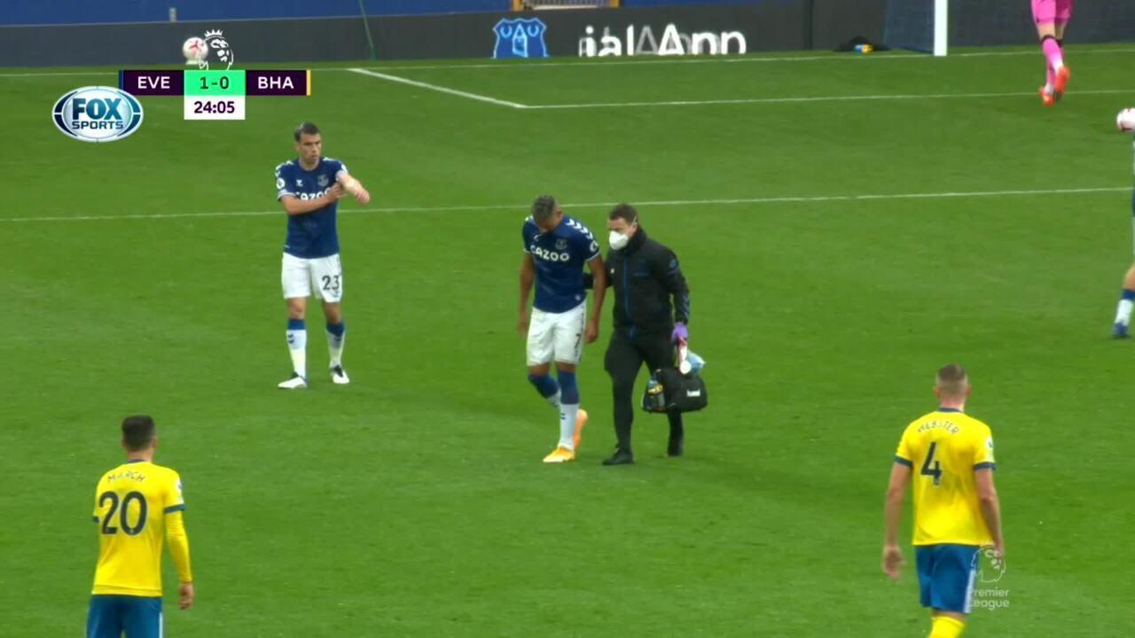 Richarlison leva pancada e é substituído em jogo do Everton pelo Campeonato Inglês