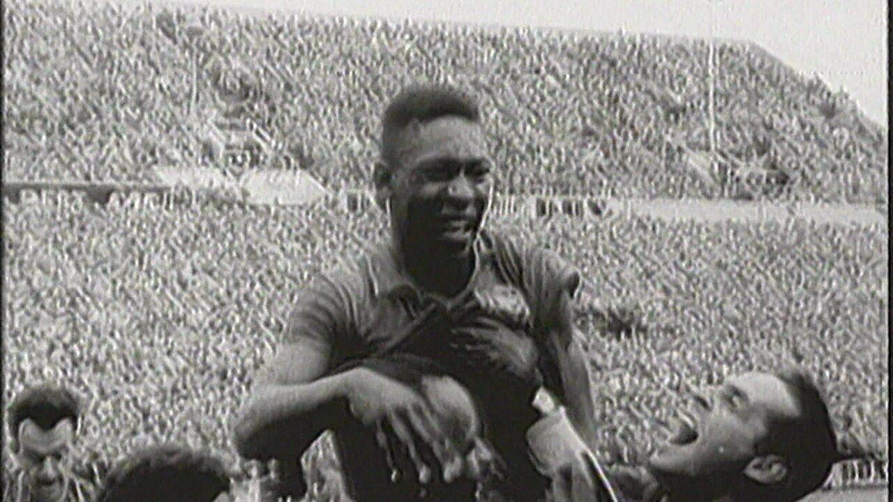 Pelé 80: os primeiros anos do rei com a bola nos pés
