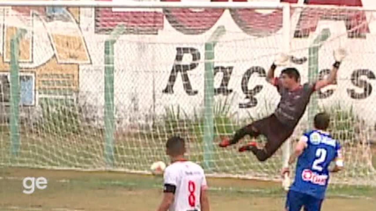 Tira-teima: veja em detalhes o gol de Dos Santos no Altos