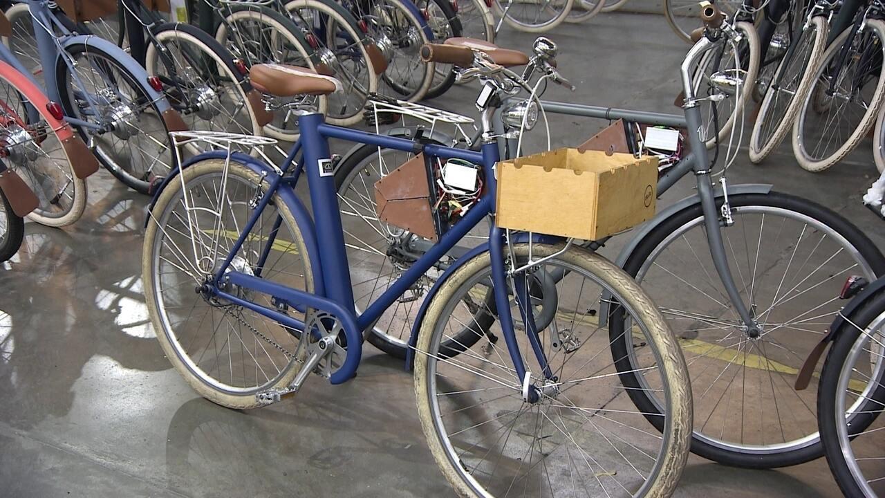 Empresa lança bicicleta elétrica inteligente com funções controladas pelo celular