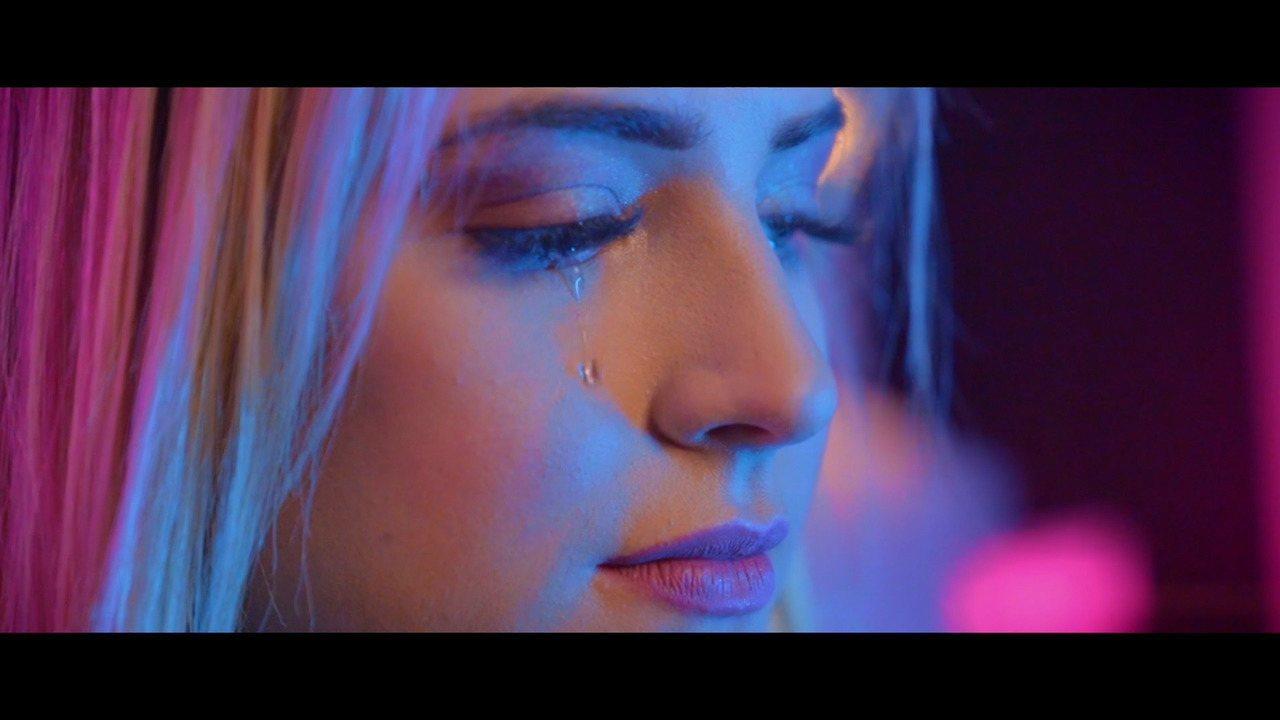 Gabi Martins libera versão alternativa do clipe 'Covardia'