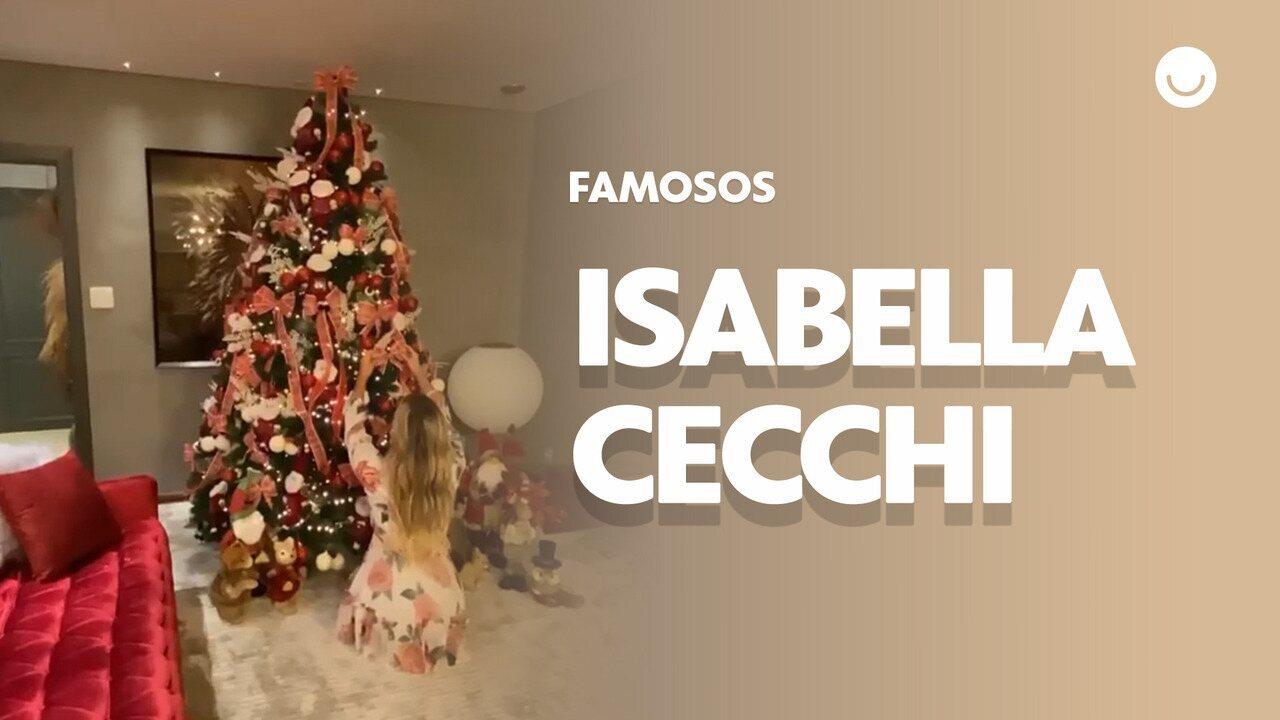 Isabella Cecchi decora Árvore de Natal ao lado do namorado Pedro Orduña