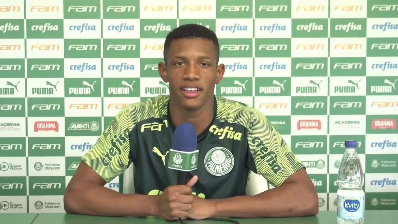 Veja a primeira entrevista coletiva de Danilo, meia do Palmeiras