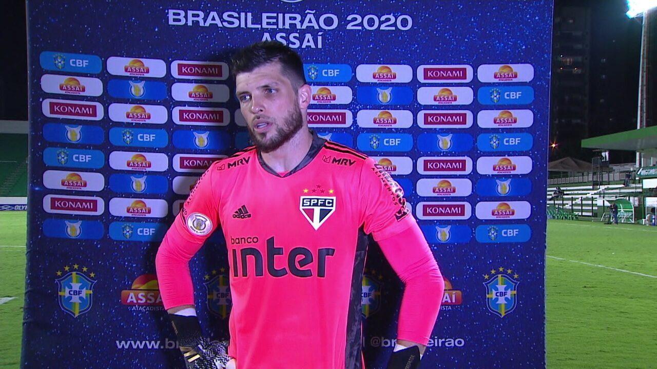"""Tiago Volpi fala sobre papel de líder em campo e reforça importância de Diniz no São Paulo: """"Estamos colhendo os frutos"""""""
