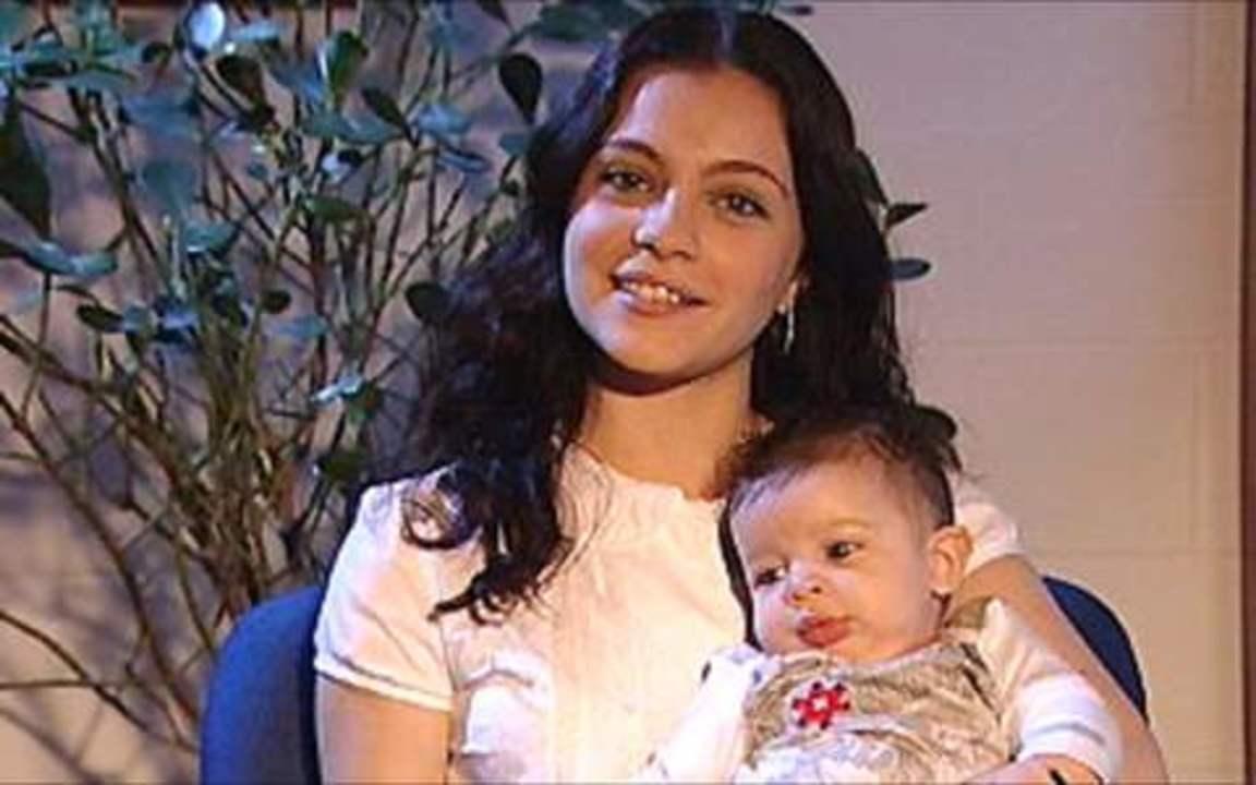 Cecília Dassi apresenta o bebê de Natália, da novela 'Três Irmãs'
