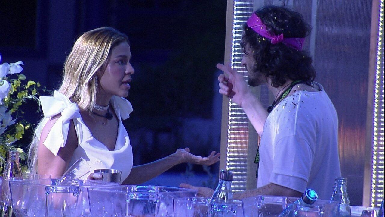 Kerline ouve de Fiuk: 'Eu que te dei aquela cobrinha'