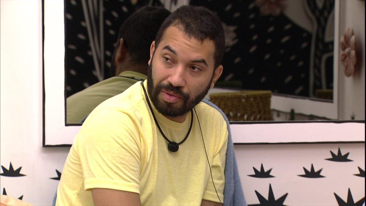 Gilberto, do BBB21, dispara: 'Tenho medo de ir para o Paredão essa semana'