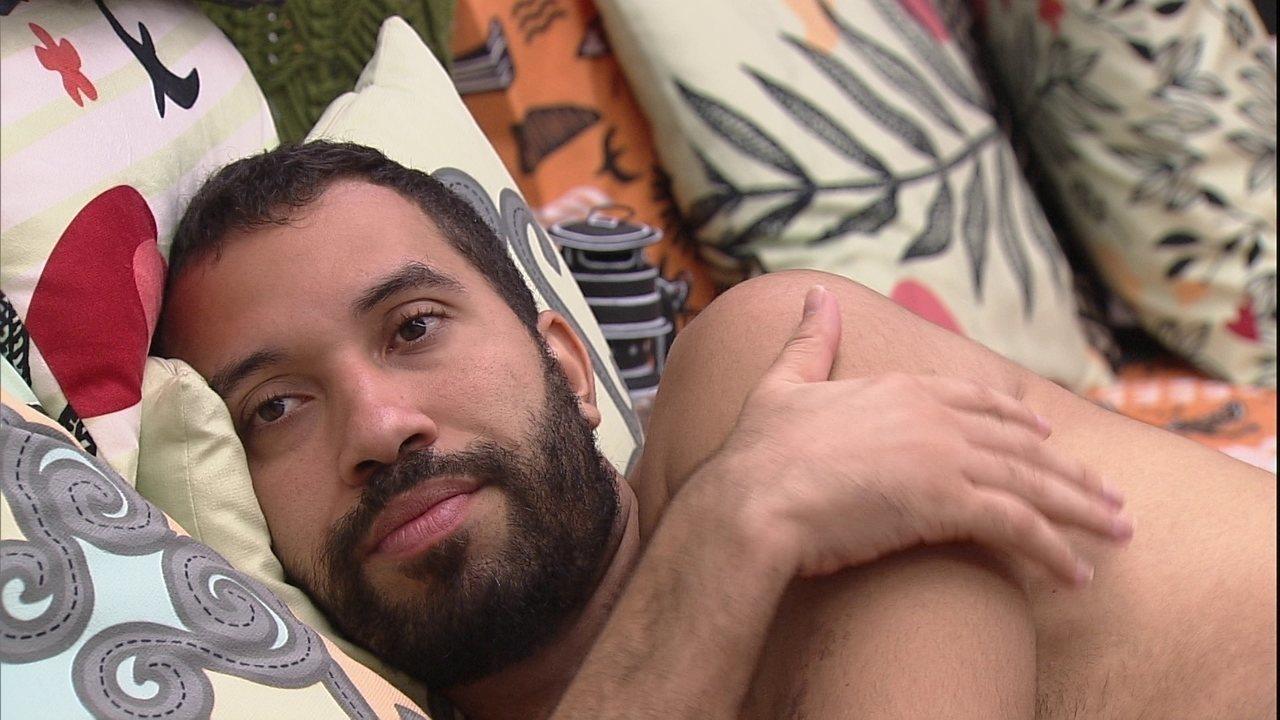 Gilberto e Juliette conversam sobre votos e brother fala de Projota: 'Me olhou com desdém'
