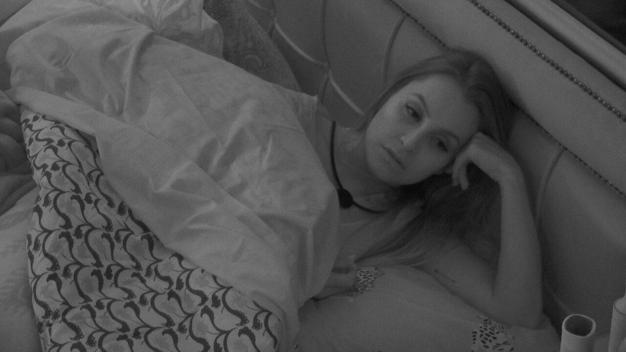 Carla Diaz opina sobre situação de Pocah no BBB21: 'Não te vejo como alvo'