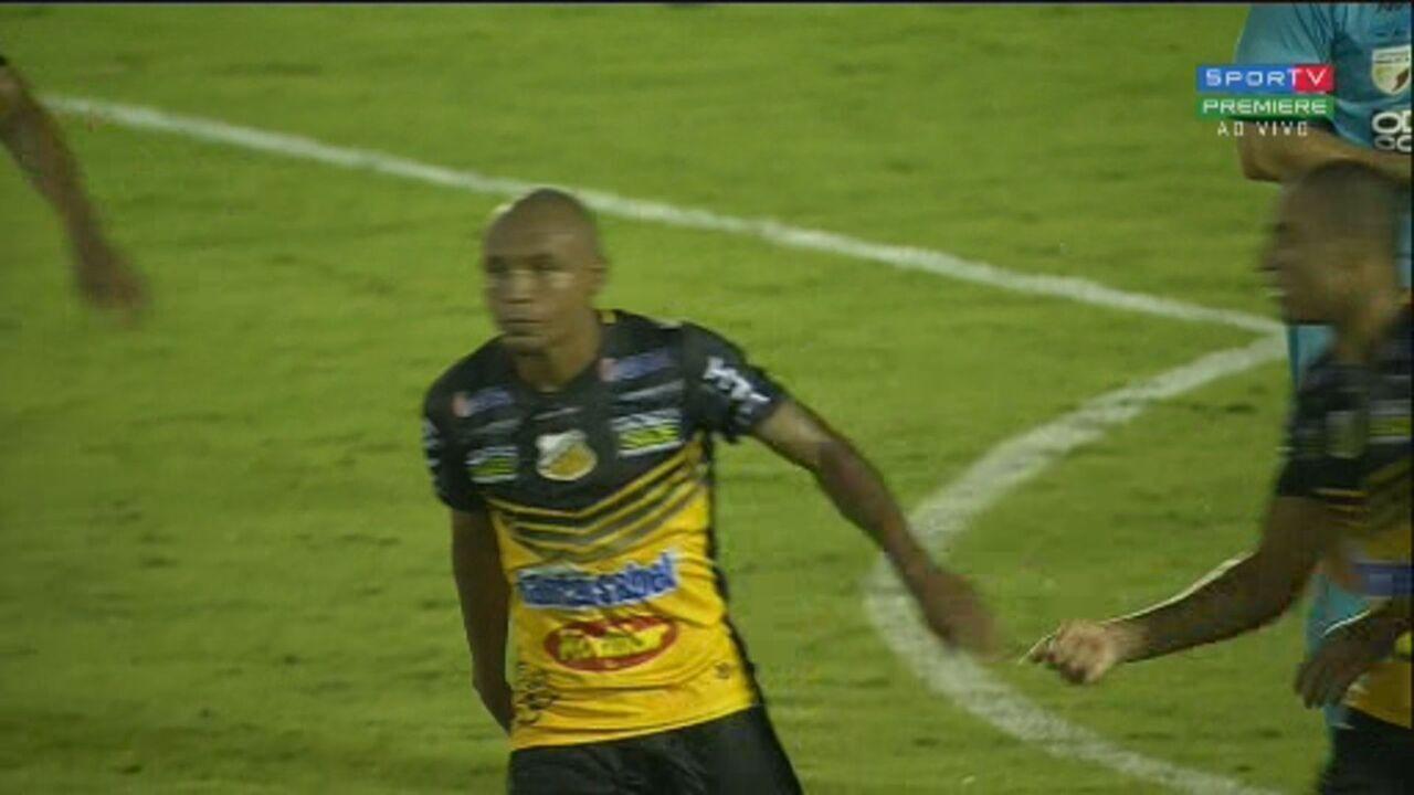 Gol do Novorizontino! Murilo Rangel pega sobra na área e bate no canto para empatar aos 22' do 2º tempo