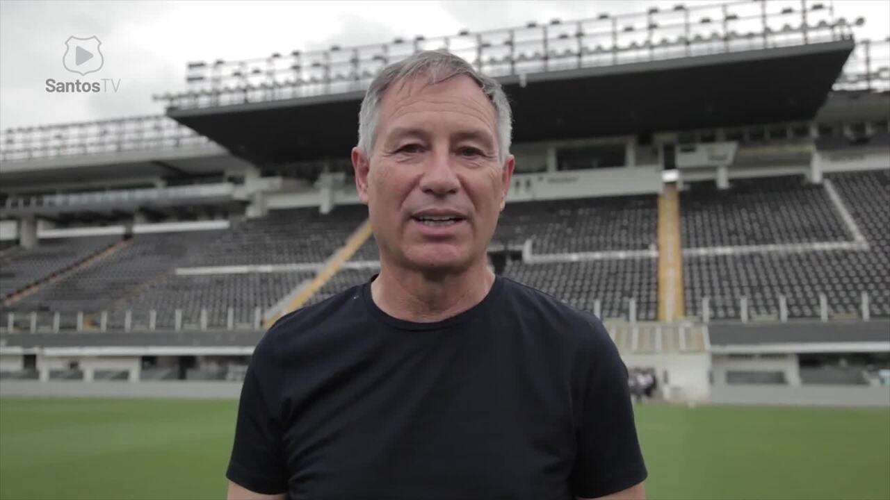 Ariel Holan, novo técnico do Santos, conhece a Vila Belmiro
