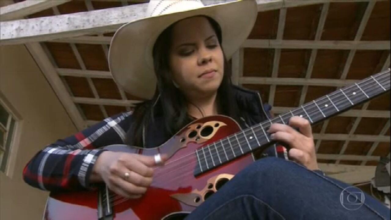 Reveja reportagem sobre a viola, símbolo da música rural brasileira
