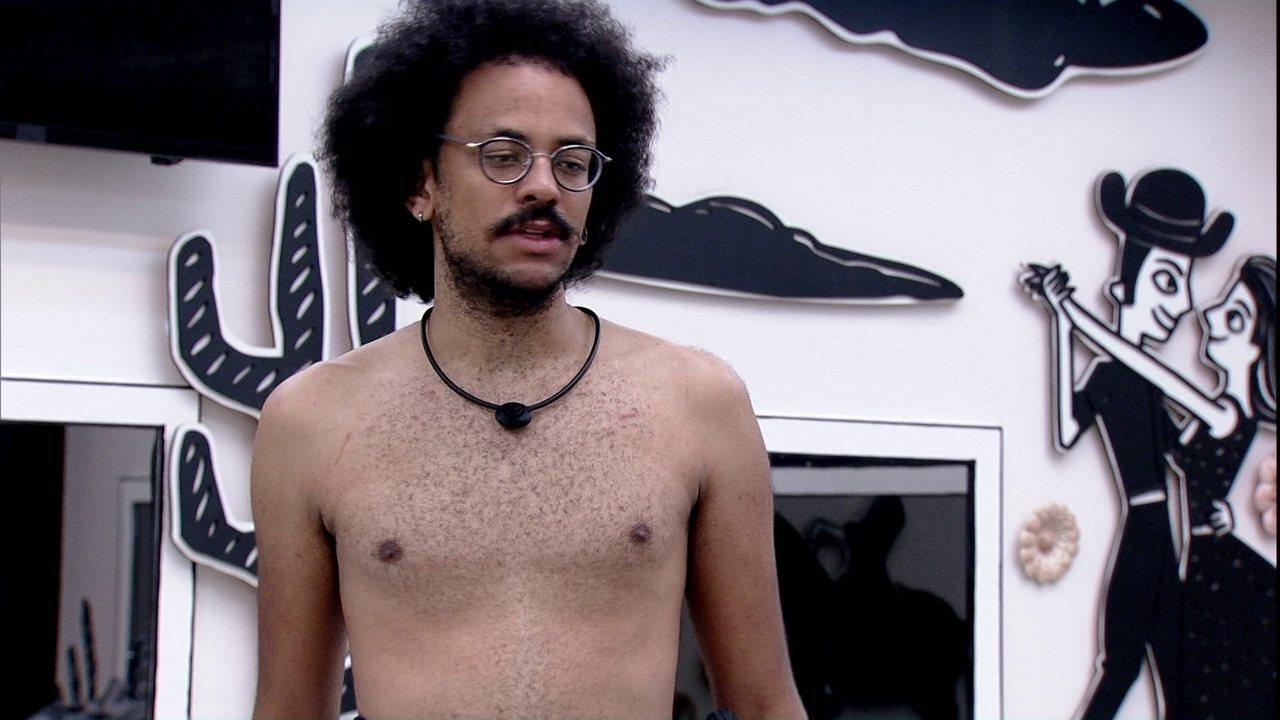 No BBB21, João Luiz afirma sobre o seu posicionamento no jogo: 'Vou escolher o meu lado'