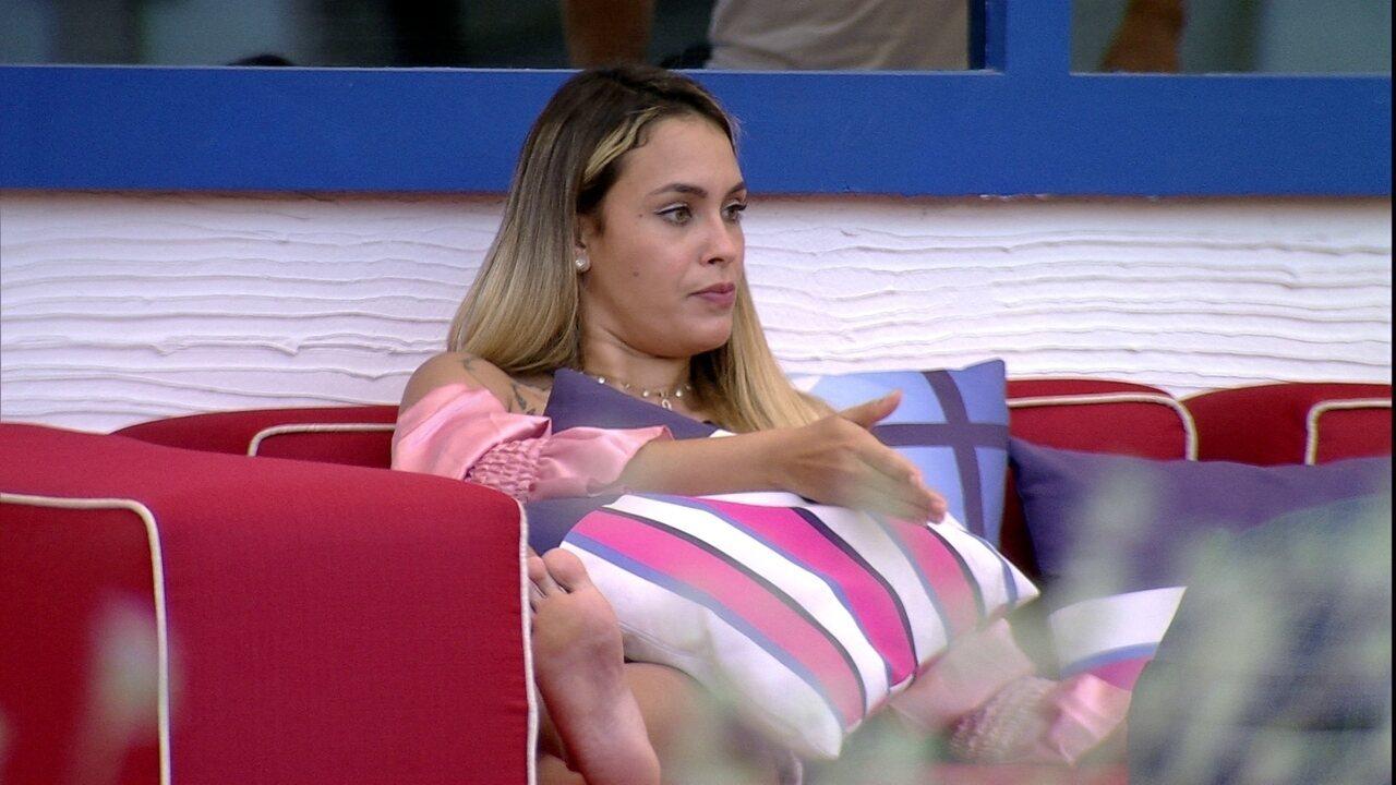 Sarah opina sobre noite de Eliminação no BBB21: 'Acho que está entre Carla e Rodolffo'
