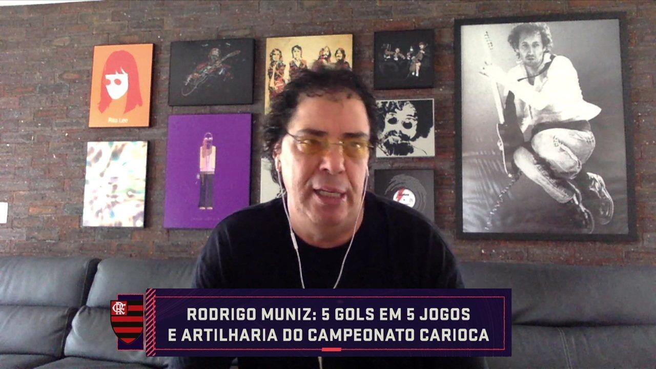 """Casagrande analisa Rodrigo Muniz: """"Fiquei impressionado. Quero ver ao lado dos titulares"""""""