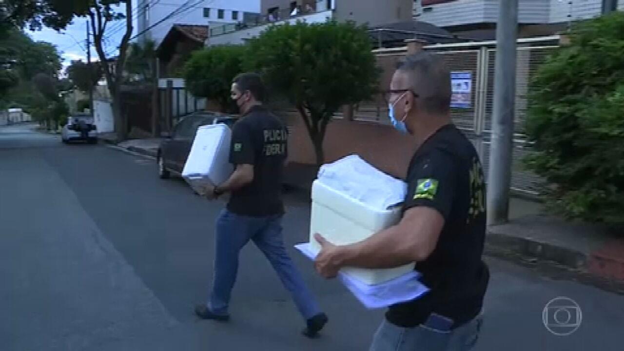 PF faz buscas na casa de uma suspeita da vacinação clandestina de empresários, em Minas