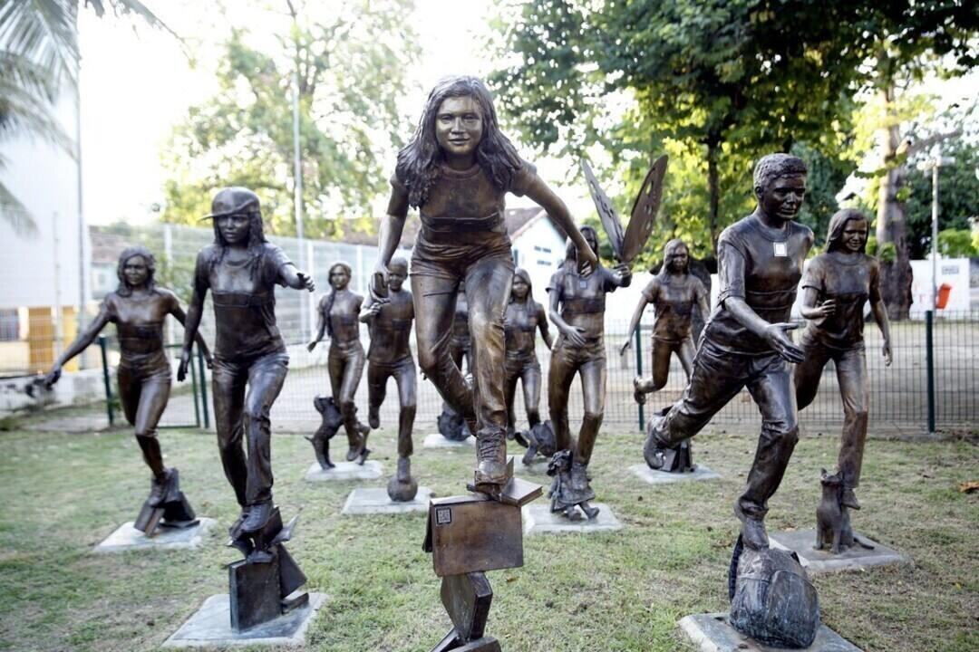 Dez anos depois, sobreviventes e parentes de vítimas do Massacre de Realengo compartilham dor e memórias