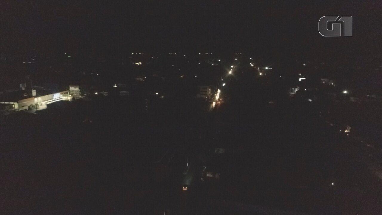 Imagens aéreas de Macapá no 'escuro' após novo apagão no Amapá