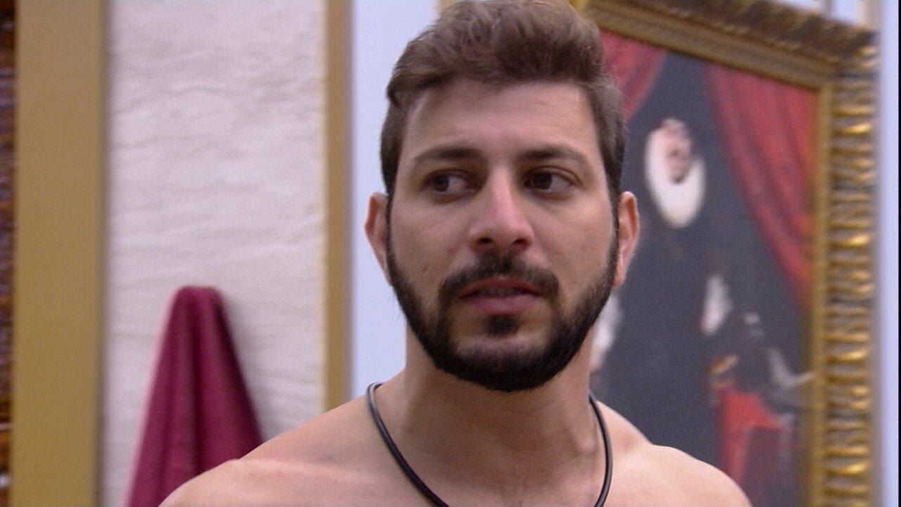Caio especula sobre Gilberto no Paredão do BBB21: 'Tem uma chance dele sair'