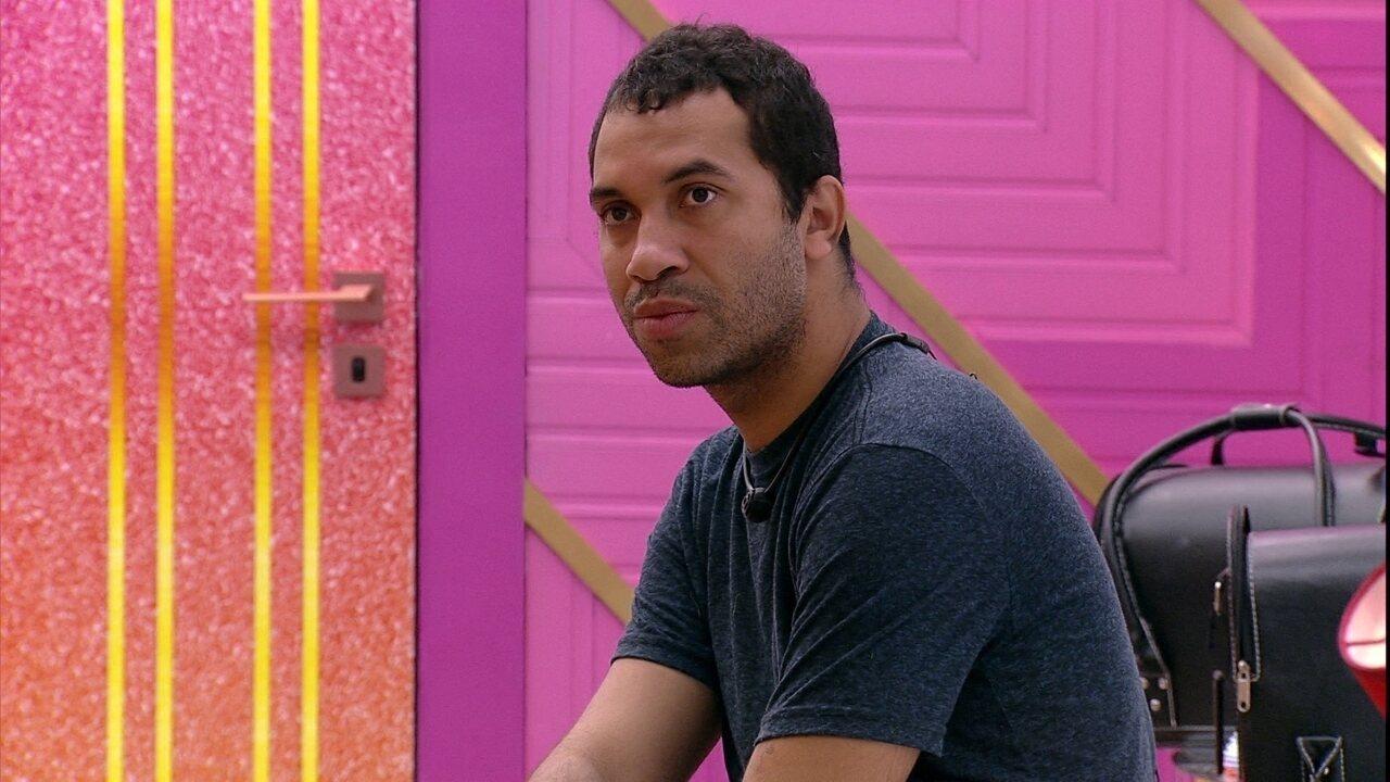 Gilberto reflete sobre jogo: 'É fácil apontar para quem estava acuado desde o início´