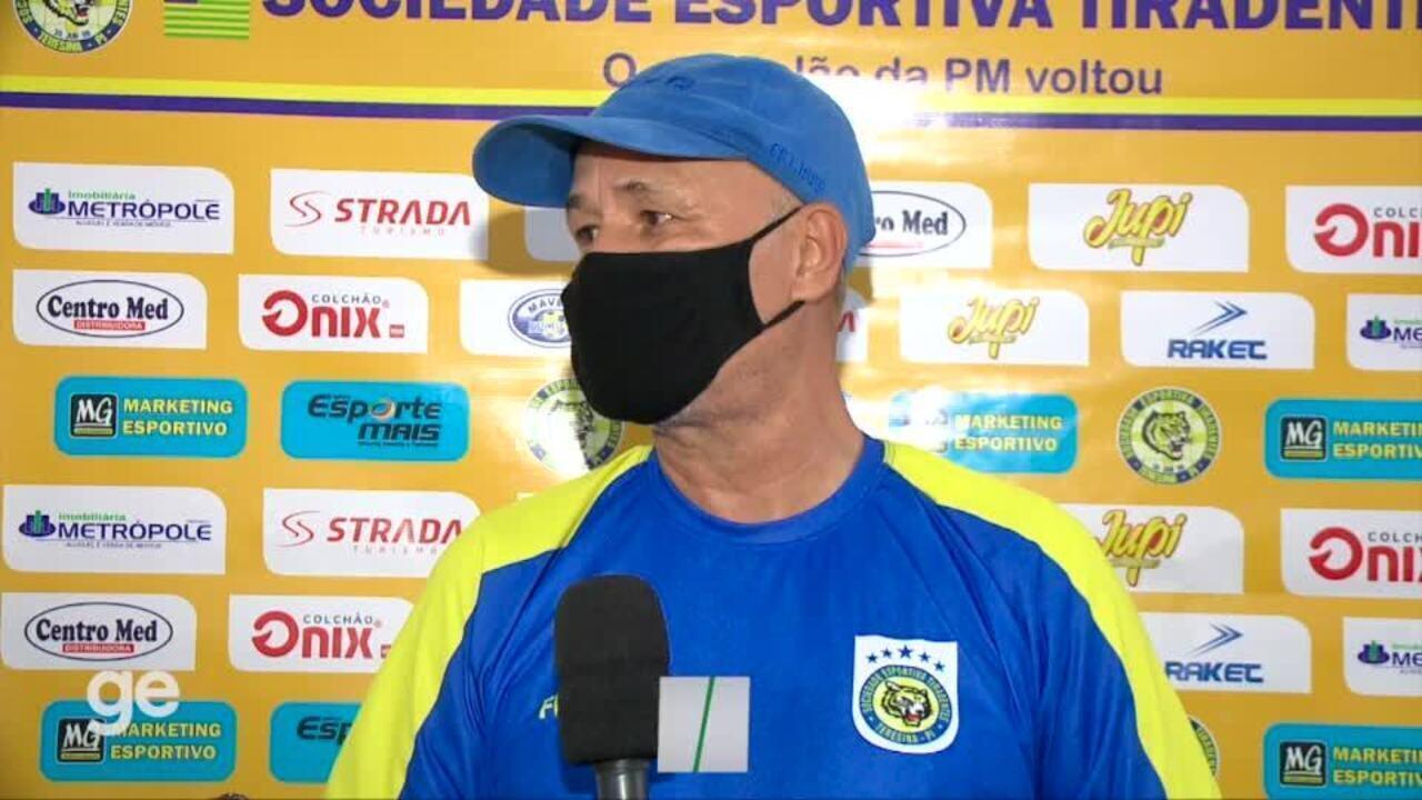 """Expulso de jogo, técnico Paulo Júnior detona arbitragem: """"Muito mal preparada. Absurdo"""""""