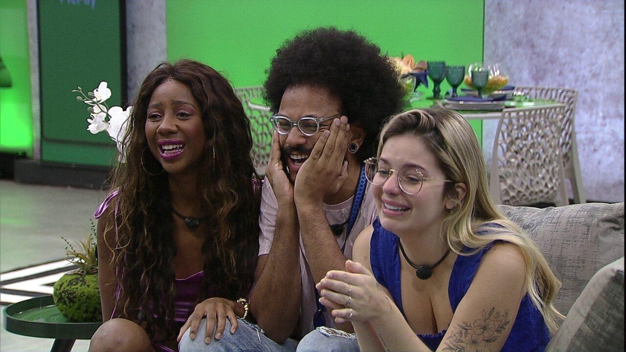 João Luiz vibra com mensagem da família no BBB21